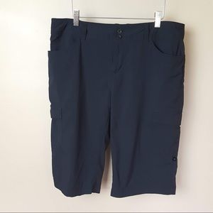Patagonia black hiking outdoor bermuda shorts 10